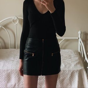 Kendall & Kylie Zip Front Faux Leather Mini Skirt